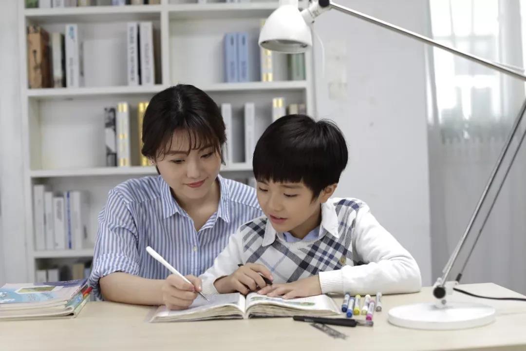 """双减政策下校外补课机构""""凉凉"""",对家政行业有什么影响?"""